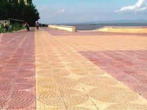gạch lát vỉa hè terrazzo